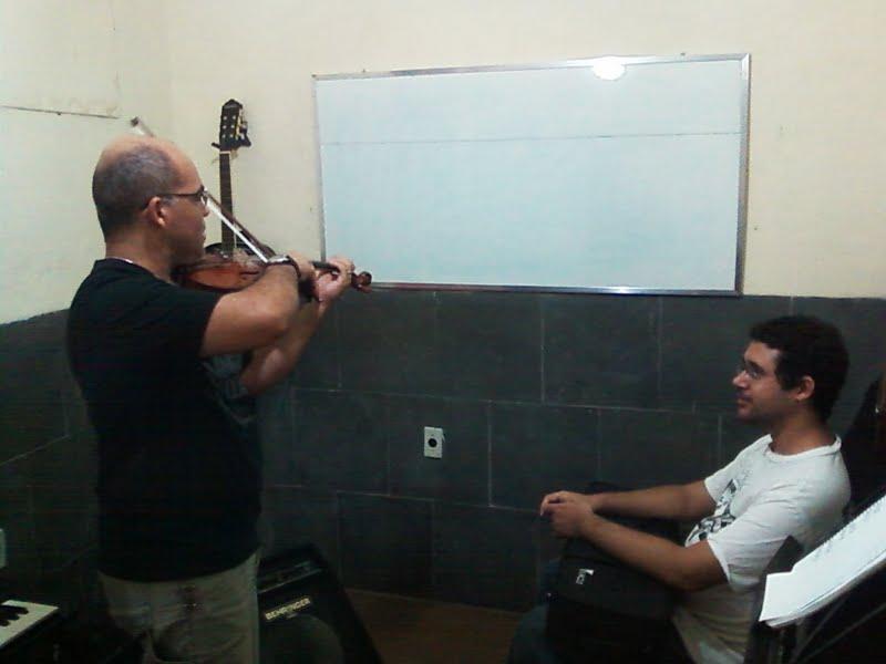 Aula de violino Unidade Campo Grande
